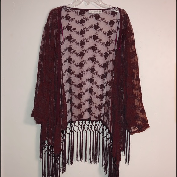 Collegiate Outfitters Other - Collegiate Outfitters Fringe Kimono